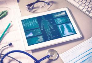 Analyseprogramm - Tablet auf Schreibtisch in einer Physiotherapie Praxis in Reutlingen